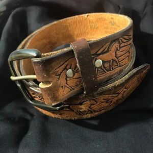 Accessories - Vintage Leather Tooled Western Belt Horses